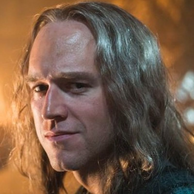 See Elliot Cowan in Beowulf: Return to Shieldlands