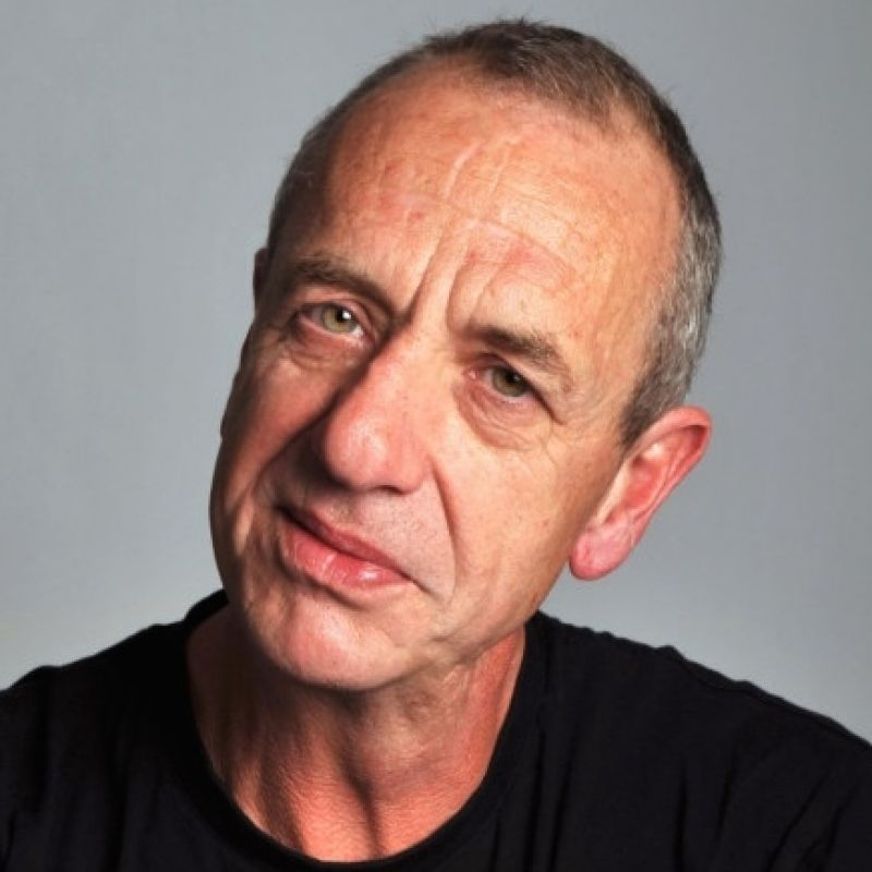 Arthur Smith in 'People Just do Nothing'