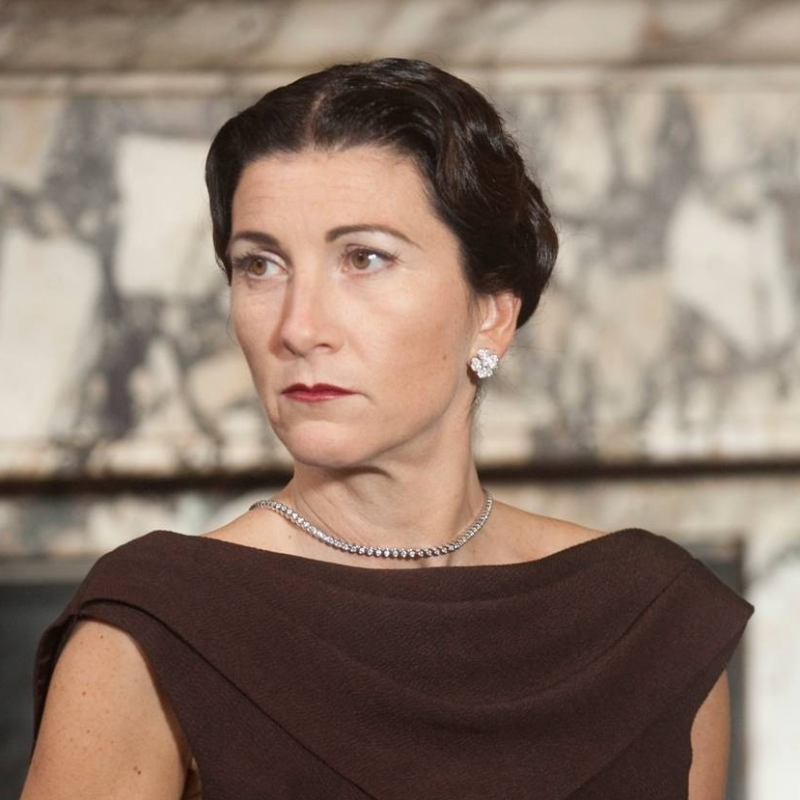 Eve Best is Wallis Simpson