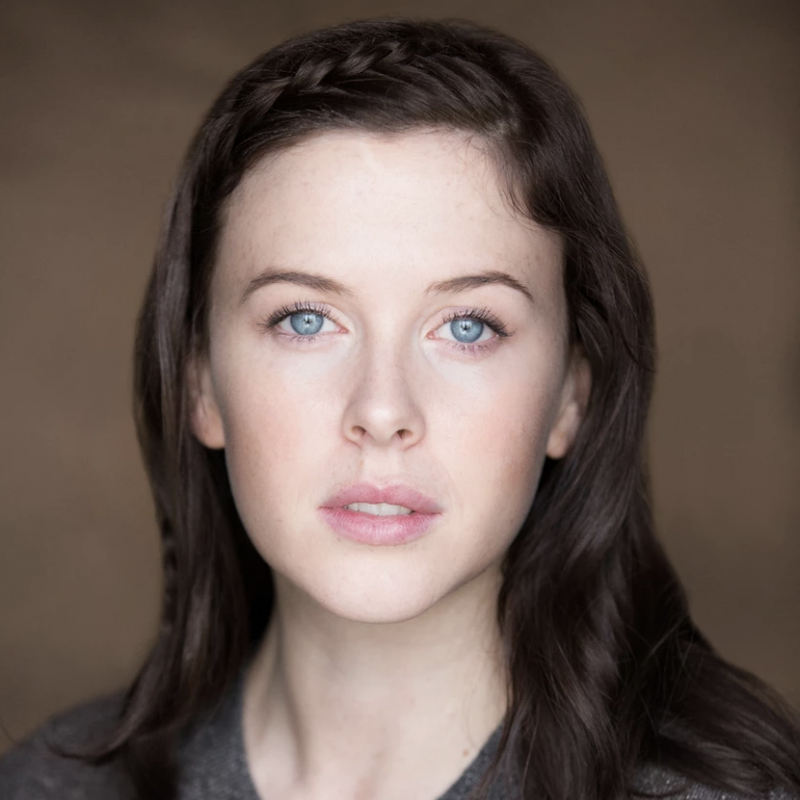 A very warm welcome to the wonderful Alexandra Roach!