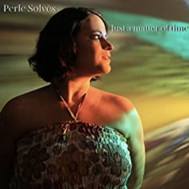 Perle Solvès has a new single out now, with her first EP being released in September!